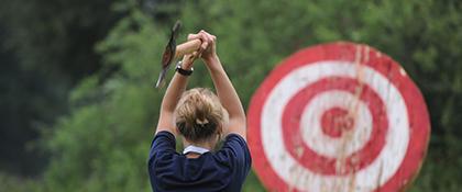 Axt werfen sport aktive challenge Teambuilding outdoor